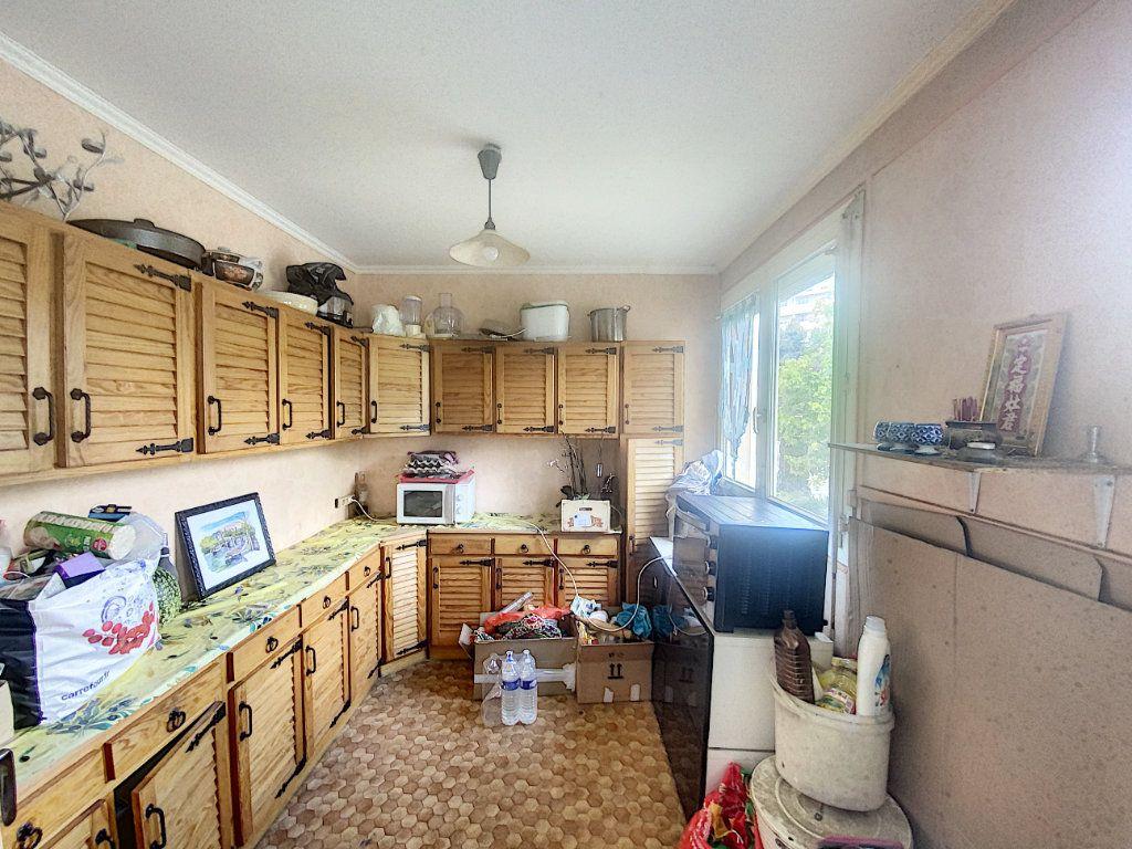 Maison à vendre 5 86m2 à Pontault-Combault vignette-3
