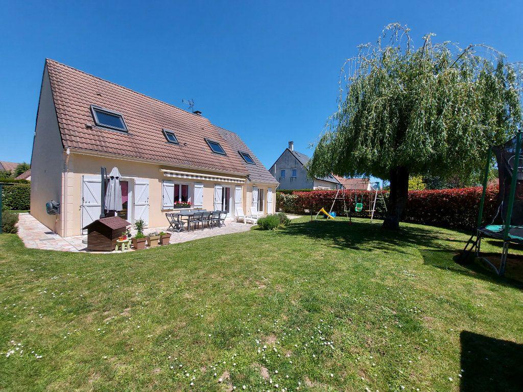 Maison à vendre 8 157.42m2 à Ozoir-la-Ferrière vignette-1