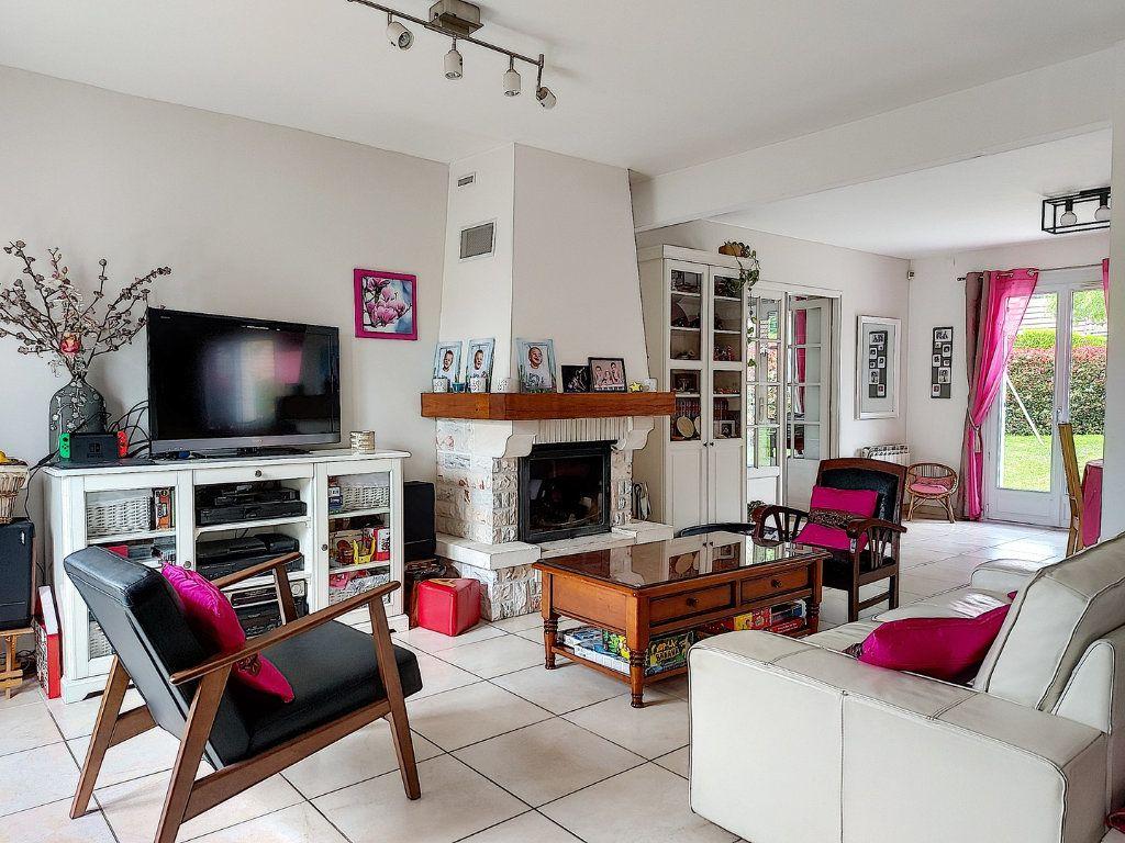Maison à vendre 8 157.42m2 à Ozoir-la-Ferrière vignette-5