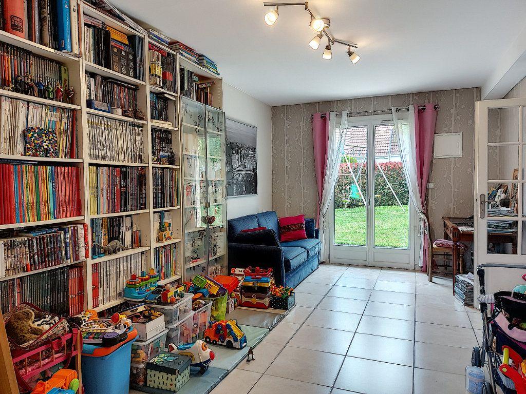 Maison à vendre 8 157.42m2 à Ozoir-la-Ferrière vignette-6
