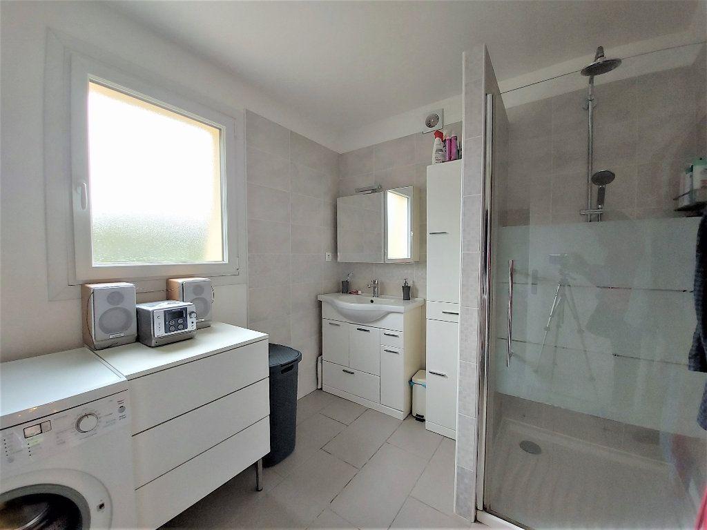 Maison à vendre 8 157.42m2 à Ozoir-la-Ferrière vignette-8