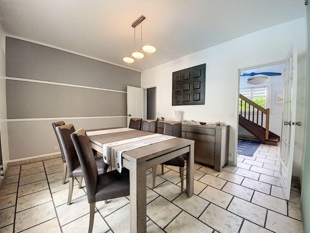 Maison à vendre 8 233m2 à Ozoir-la-Ferrière vignette-4