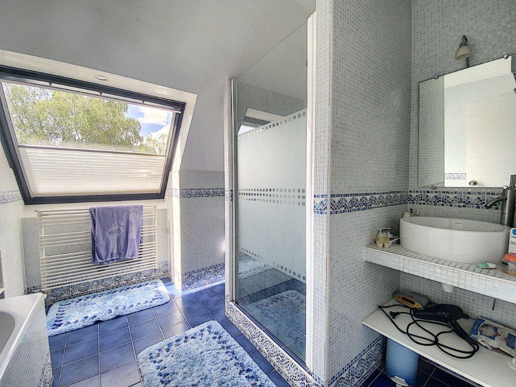 Maison à vendre 8 233m2 à Ozoir-la-Ferrière vignette-9