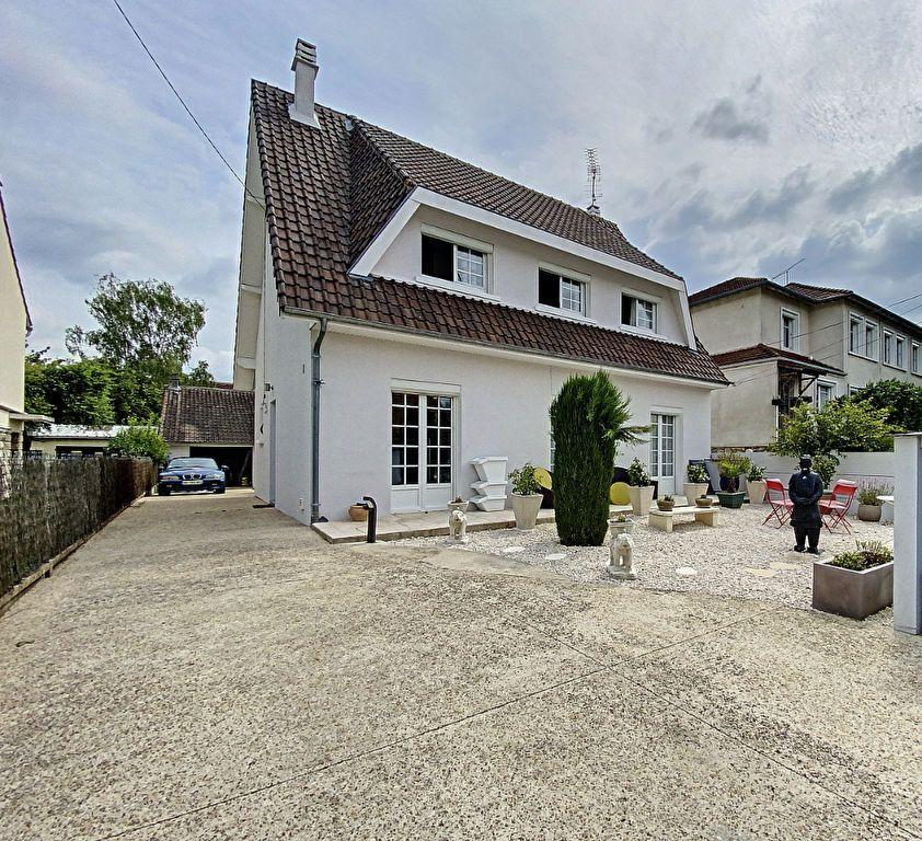 Maison à vendre 5 115m2 à Ozoir-la-Ferrière vignette-1