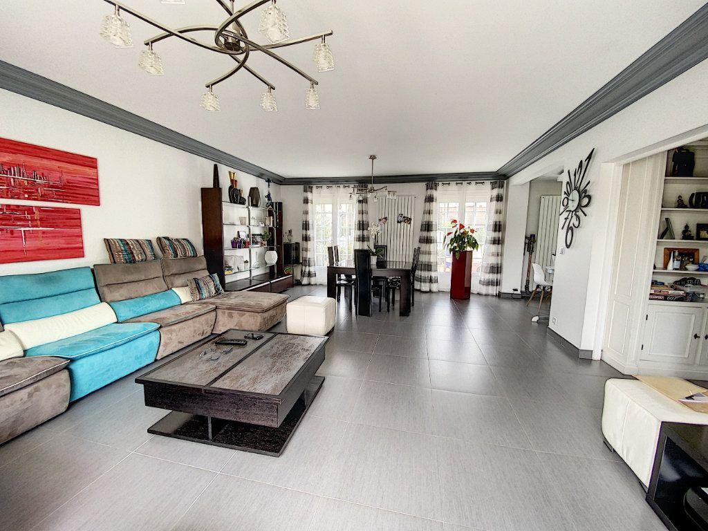 Maison à vendre 5 115m2 à Ozoir-la-Ferrière vignette-4