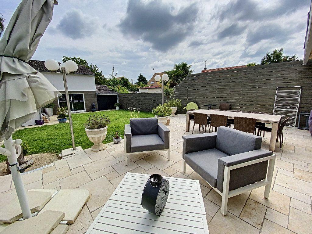 Maison à vendre 5 115m2 à Ozoir-la-Ferrière vignette-12