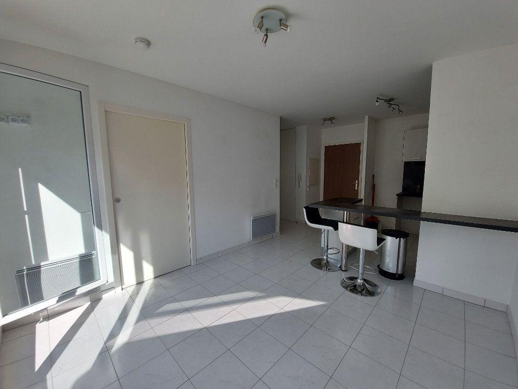 Appartement à louer 2 36.5m2 à Ozoir-la-Ferrière vignette-2