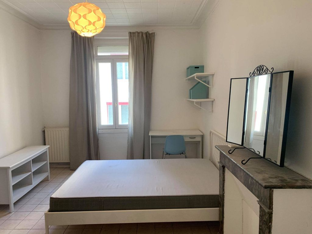 Appartement à louer 2 26.42m2 à Nantes vignette-1