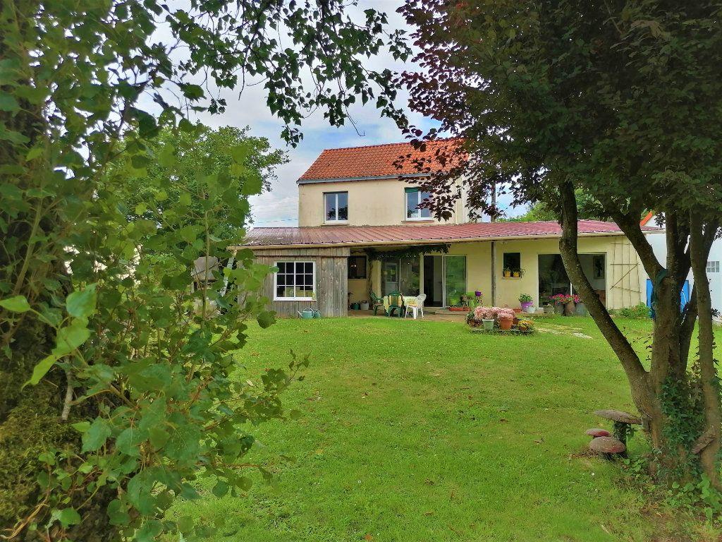 Maison à vendre 7 140m2 à Pont-Saint-Martin vignette-1