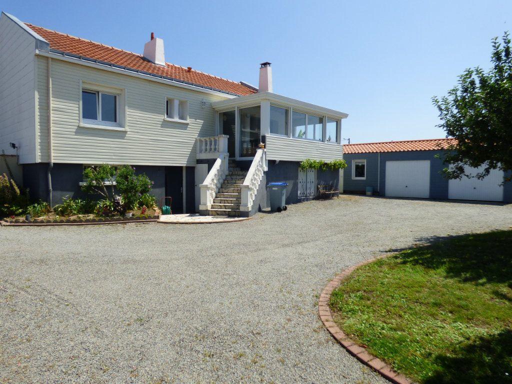 Maison à vendre 6 190m2 à Les Sorinières vignette-2