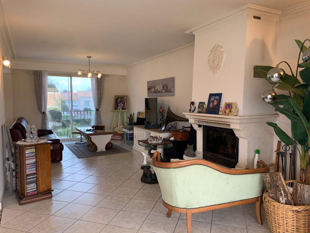 Maison à vendre 6 190m2 à Les Sorinières vignette-4