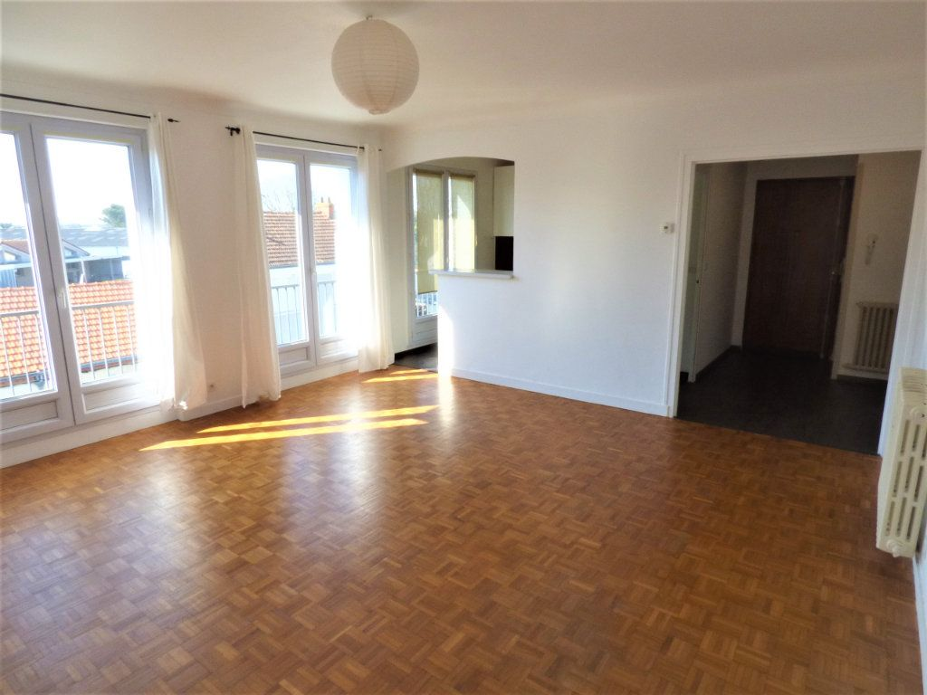 Appartement à vendre 4 77m2 à Rezé vignette-1
