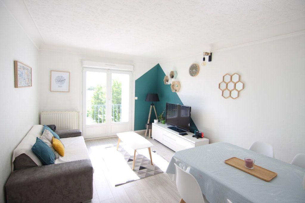 Appartement à vendre 4 72.24m2 à Nantes vignette-2