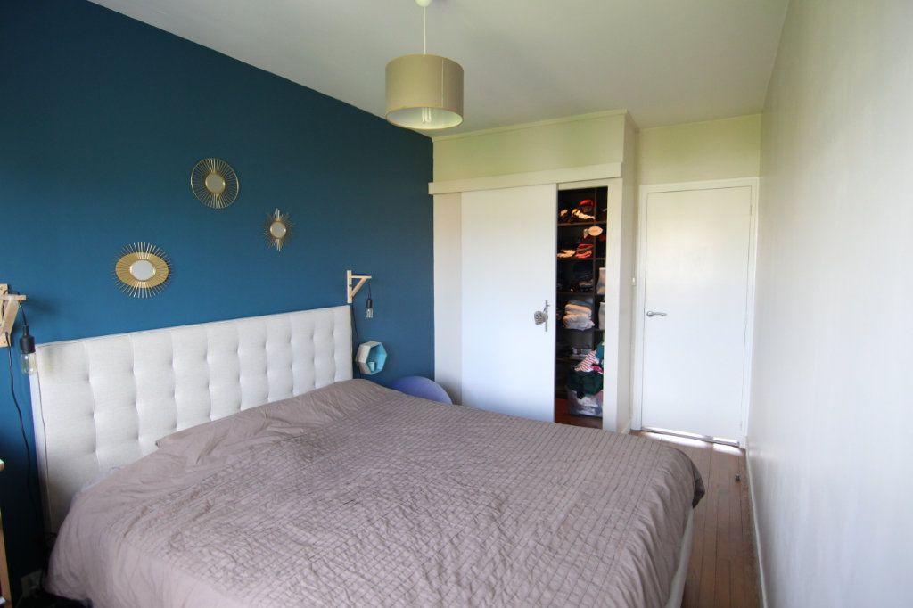 Appartement à vendre 4 72.24m2 à Nantes vignette-4