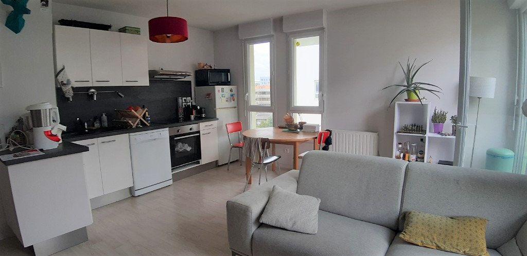 Appartement à vendre 3 59.95m2 à Nantes vignette-1