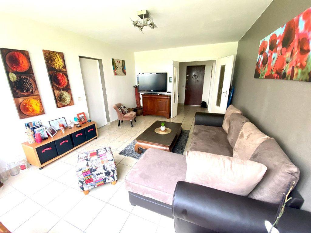 Appartement à vendre 3 69.9m2 à Nantes vignette-2