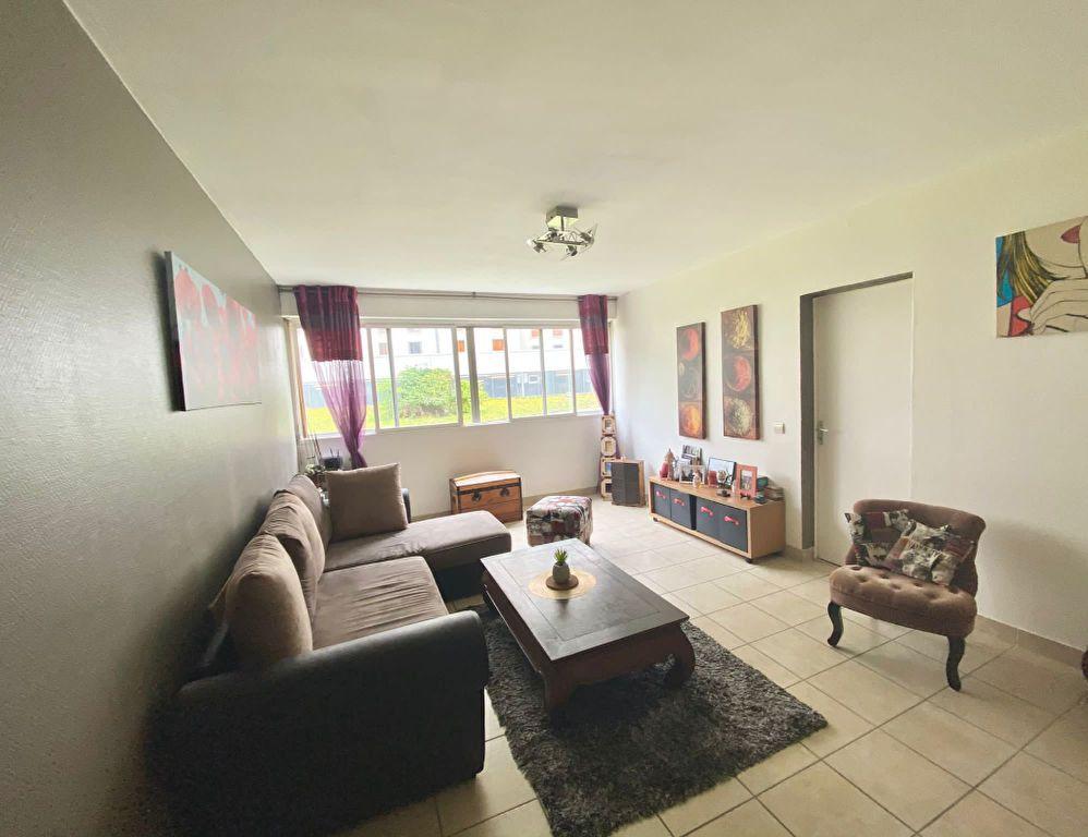 Appartement à vendre 3 69.9m2 à Nantes vignette-3