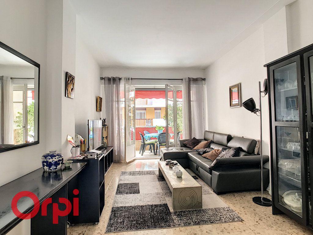 Appartement à vendre 3 67.15m2 à Nice vignette-1