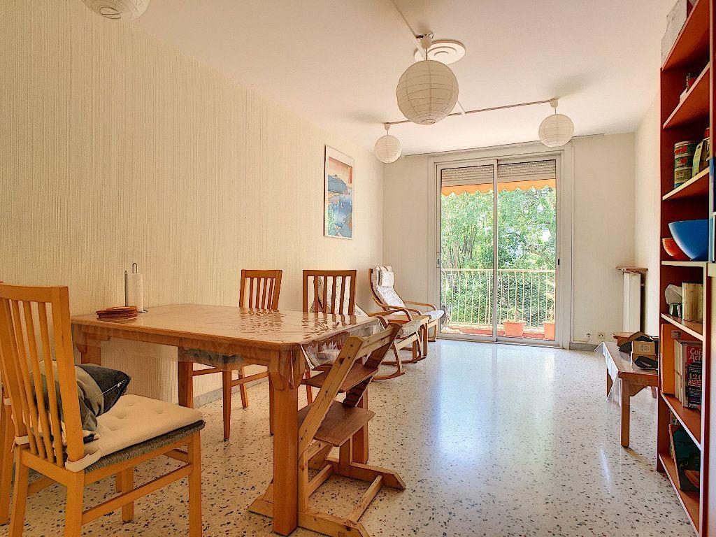 Appartement à vendre 3 71.92m2 à Antibes vignette-2