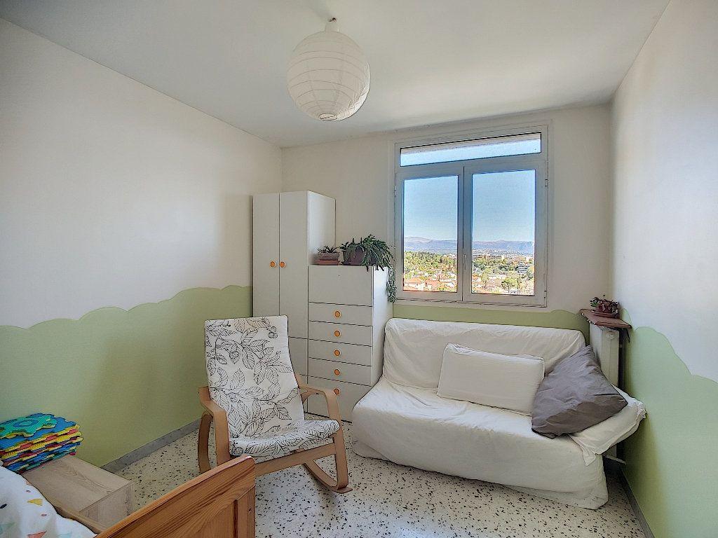 Appartement à vendre 3 71.92m2 à Antibes vignette-5