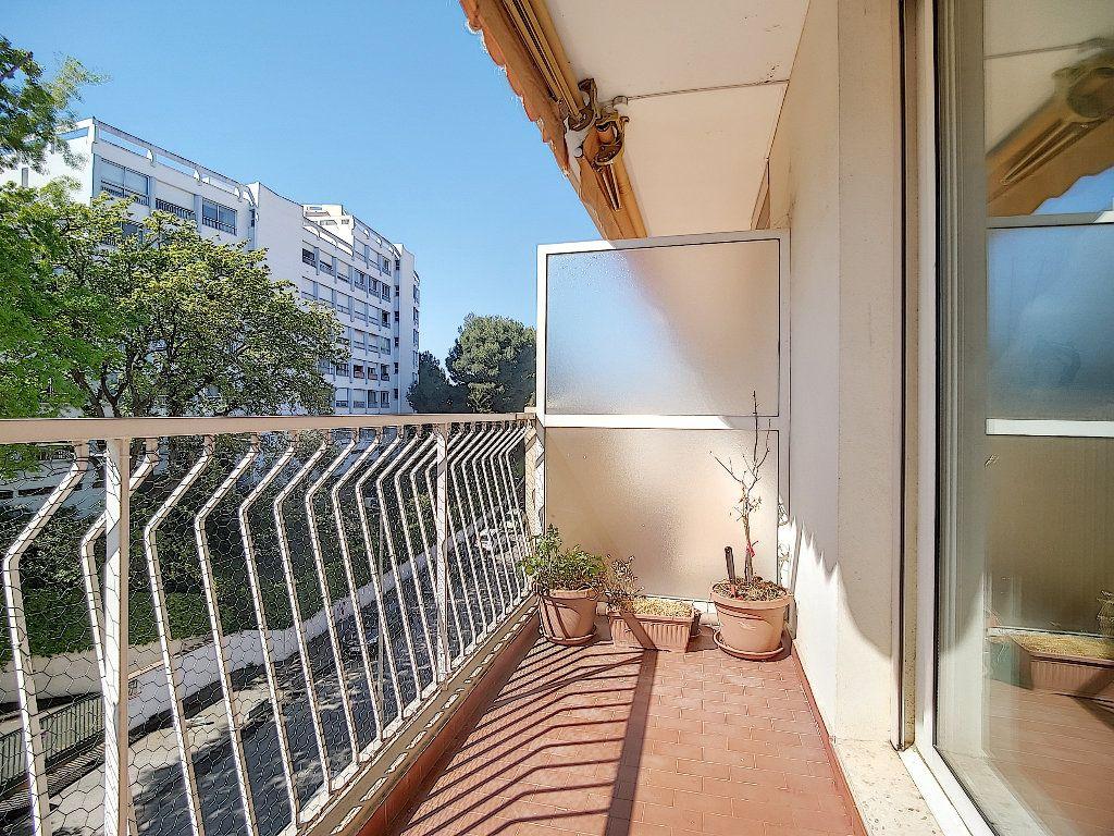 Appartement à vendre 3 71.92m2 à Antibes vignette-6