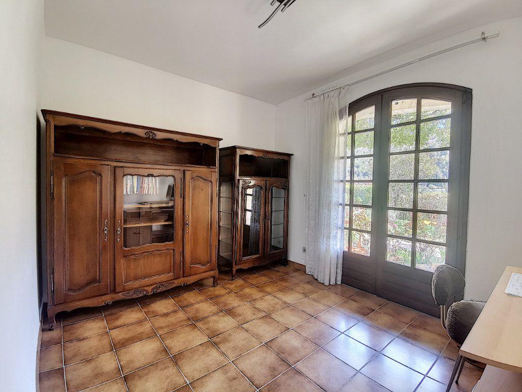 Maison à vendre 7 200m2 à Levens vignette-6
