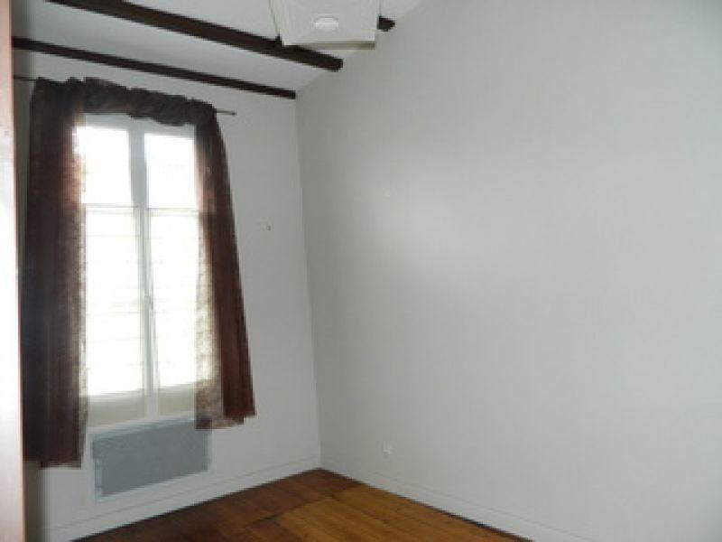 Appartement à louer 2 33m2 à Rochefort vignette-1