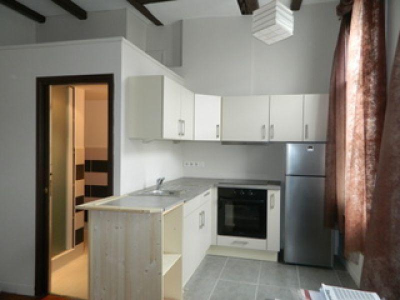 Appartement à louer 2 33m2 à Rochefort vignette-2
