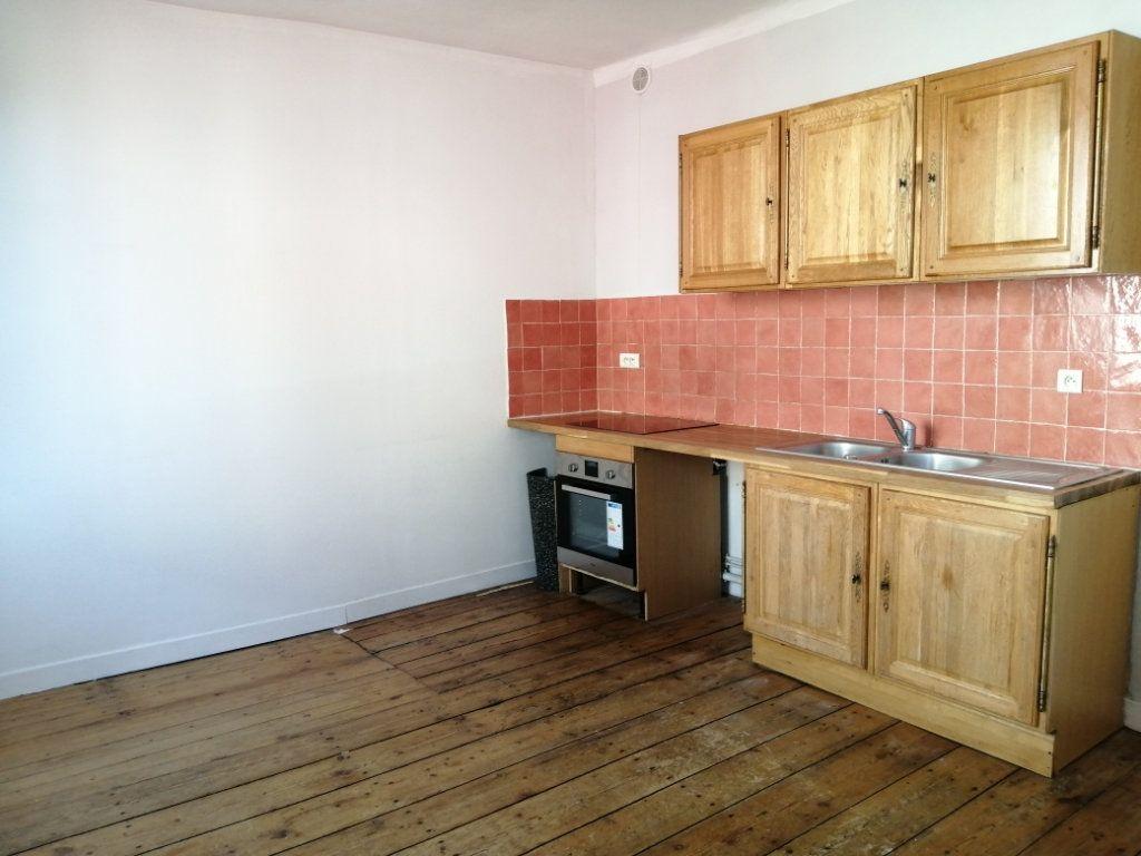 Appartement à louer 4 96.35m2 à Rochefort vignette-4