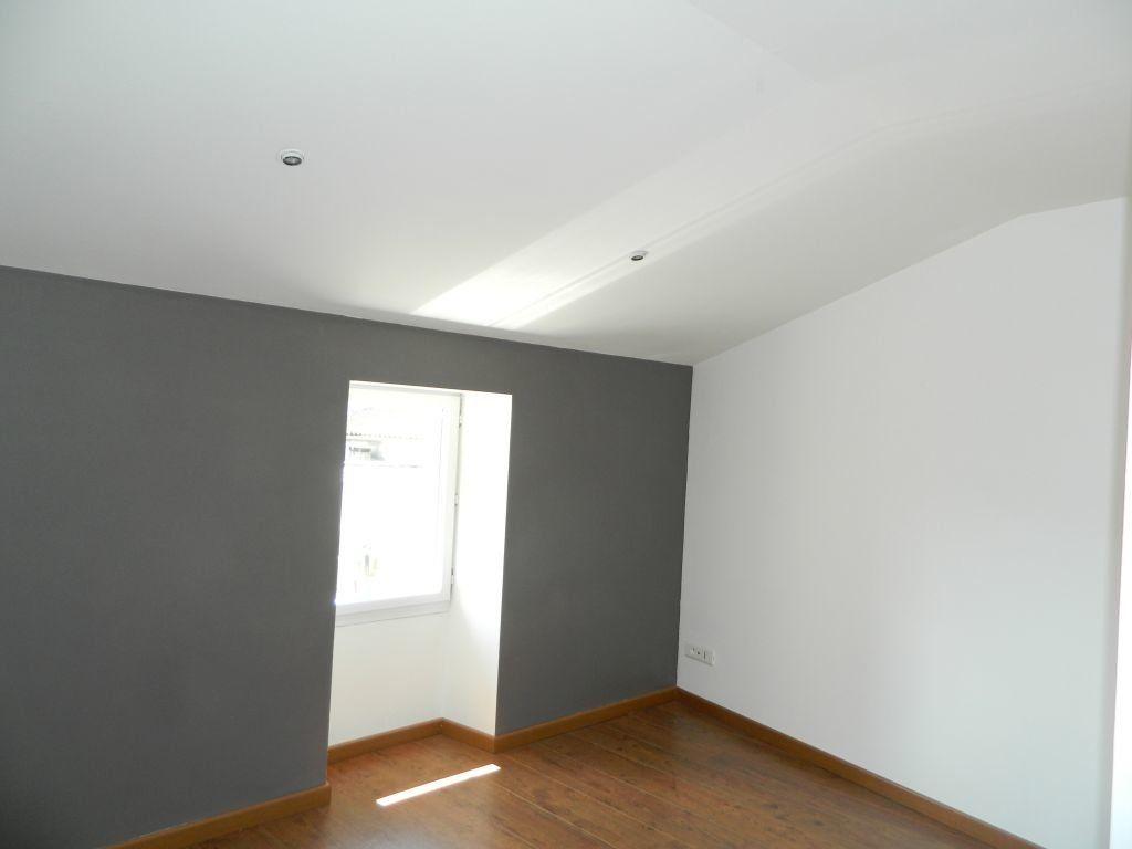 Appartement à louer 4 96.35m2 à Rochefort vignette-5