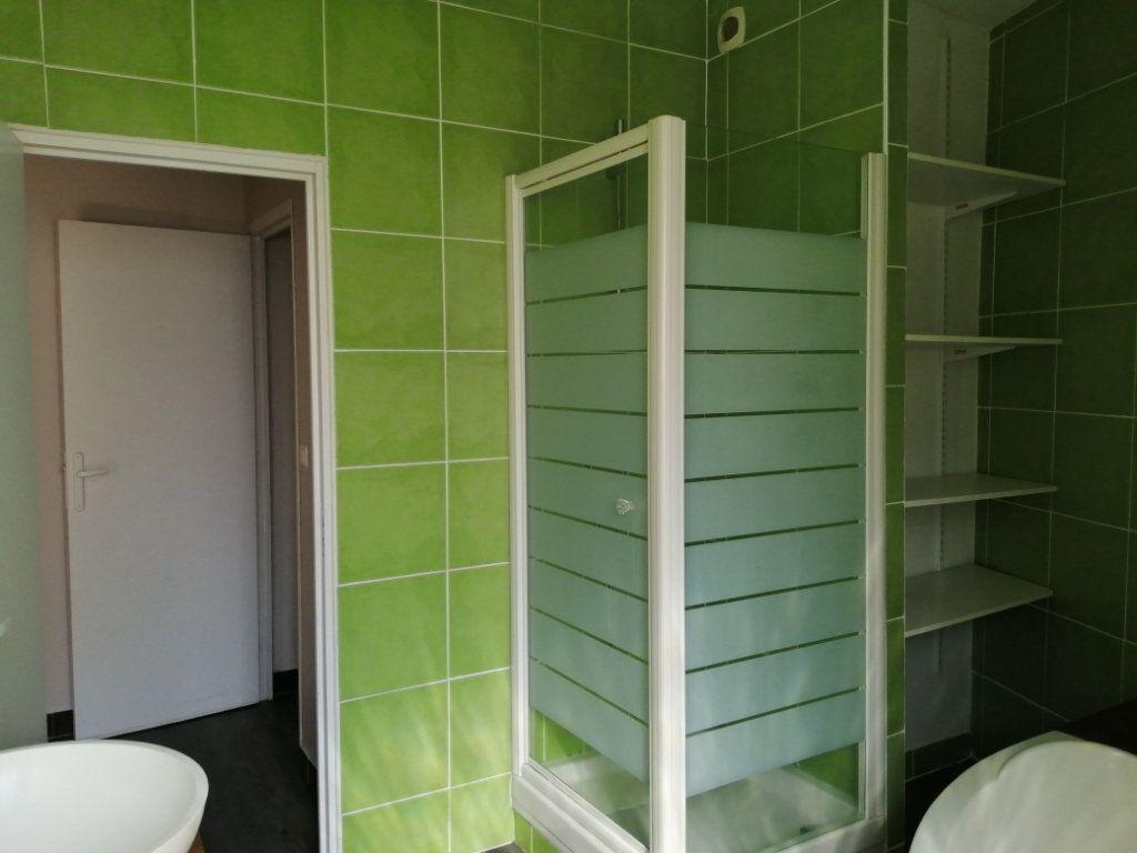Appartement à louer 4 96.35m2 à Rochefort vignette-10