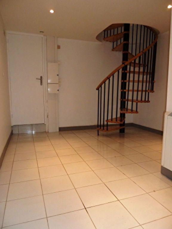 Appartement à louer 2 41.36m2 à Ivry-sur-Seine vignette-4