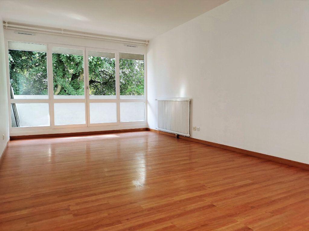 Appartement à louer 4 89.3m2 à Vitry-sur-Seine vignette-2