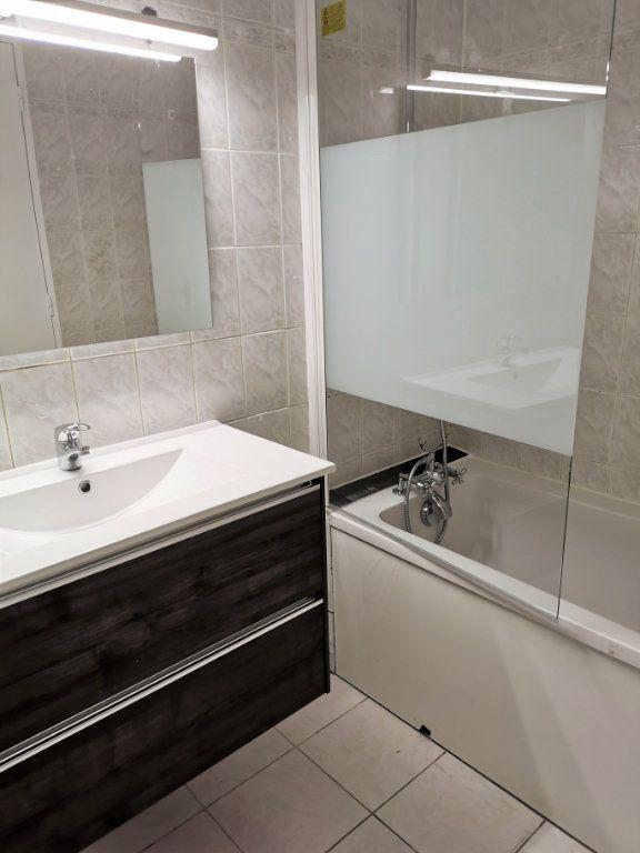 Appartement à louer 4 89.3m2 à Vitry-sur-Seine vignette-4