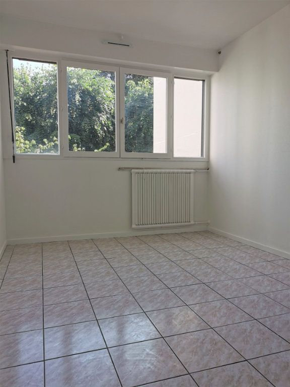 Appartement à louer 4 89.3m2 à Vitry-sur-Seine vignette-7