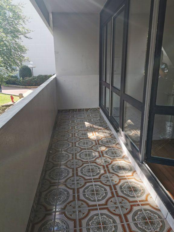 Appartement à louer 4 89.3m2 à Vitry-sur-Seine vignette-8