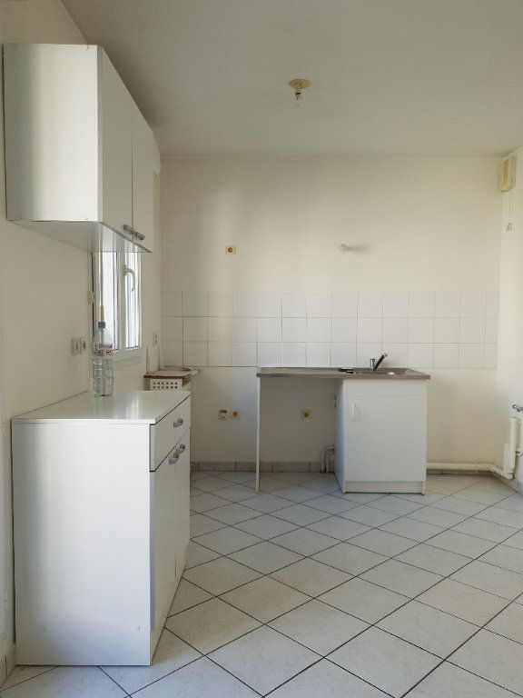 Appartement à louer 2 38m2 à Ivry-sur-Seine vignette-3