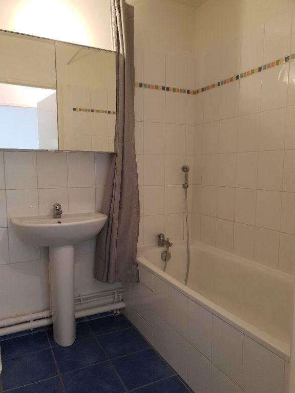 Appartement à louer 2 38m2 à Ivry-sur-Seine vignette-4