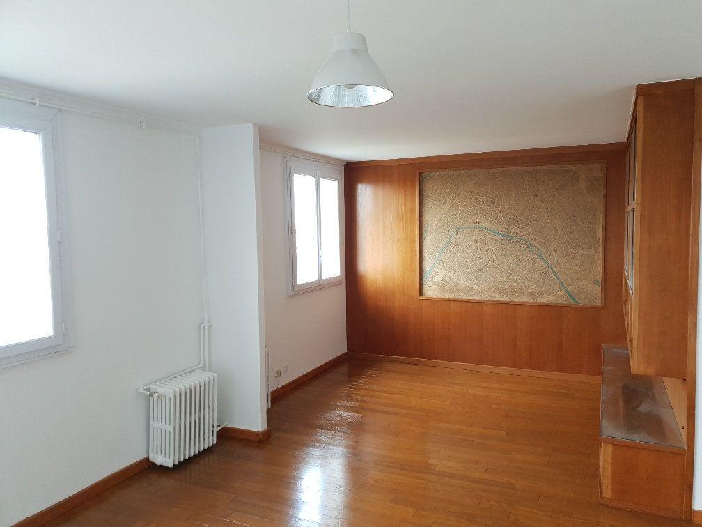Appartement à louer 4 74m2 à Ivry-sur-Seine vignette-2