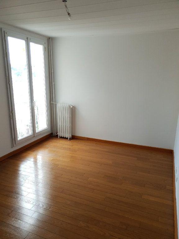 Appartement à louer 4 74m2 à Ivry-sur-Seine vignette-6