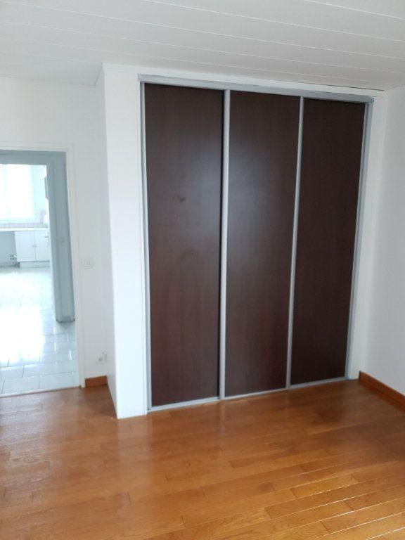 Appartement à louer 4 74m2 à Ivry-sur-Seine vignette-7