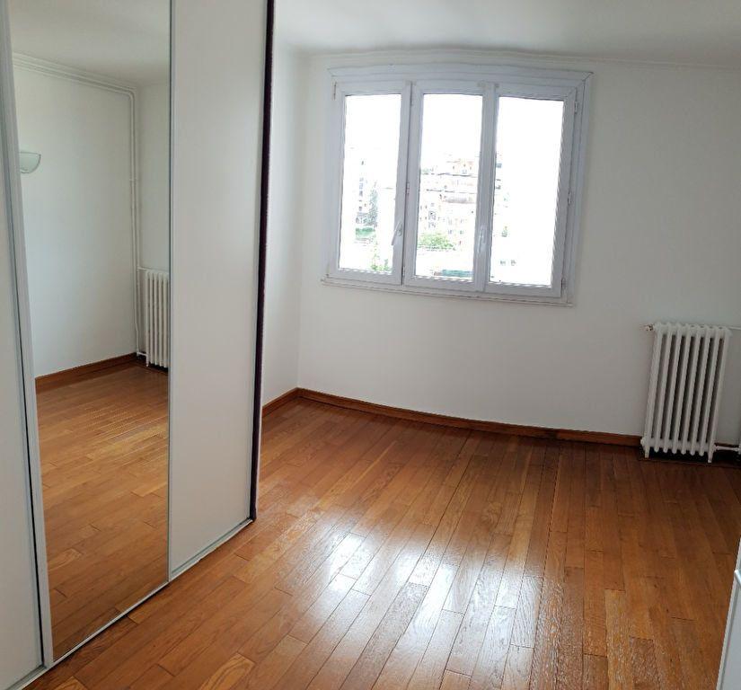 Appartement à louer 4 74m2 à Ivry-sur-Seine vignette-8