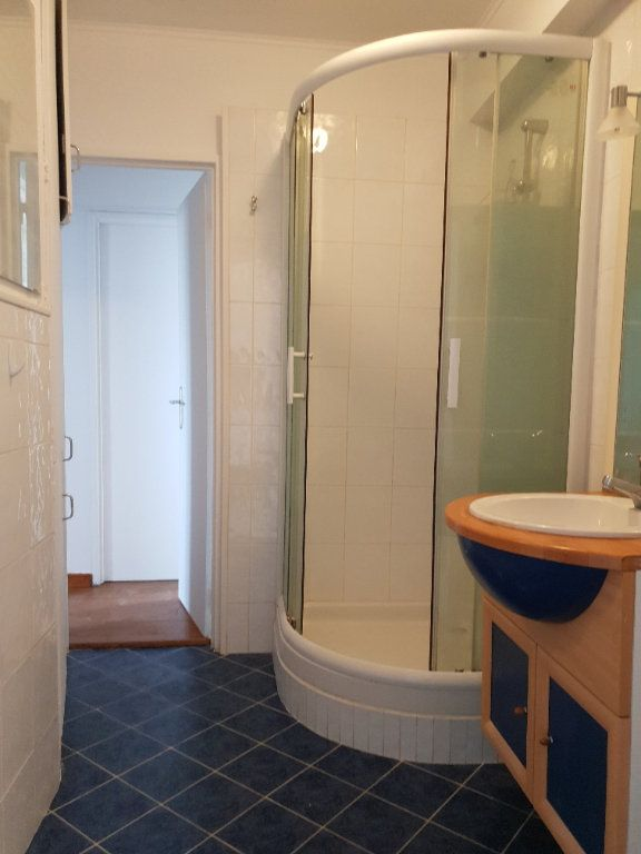 Appartement à louer 4 74m2 à Ivry-sur-Seine vignette-9