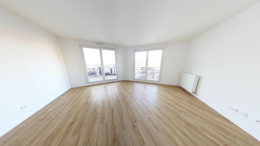 Appartement à louer 3 61.69m2 à Fontenay-le-Fleury vignette-2