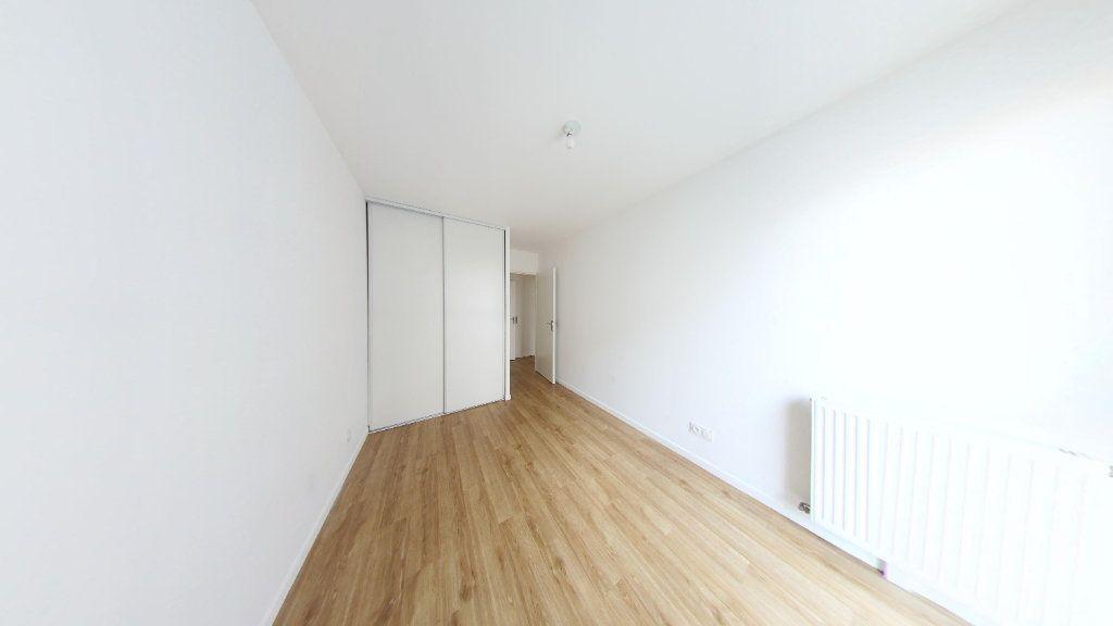 Appartement à louer 3 61.69m2 à Fontenay-le-Fleury vignette-3