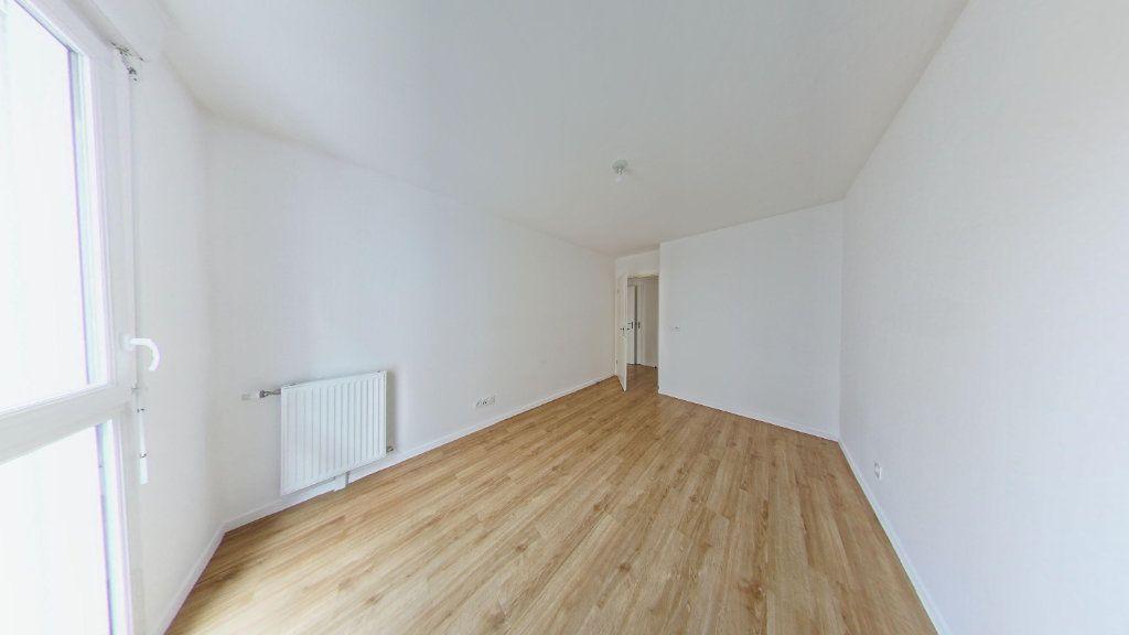 Appartement à louer 3 61.69m2 à Fontenay-le-Fleury vignette-4