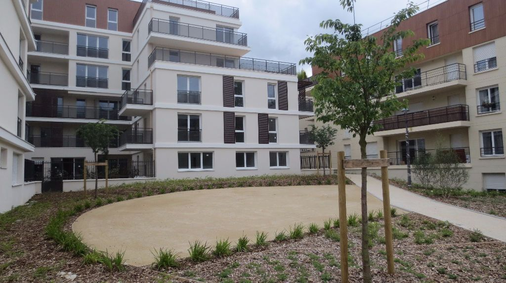 Appartement à louer 3 61.69m2 à Fontenay-le-Fleury vignette-6