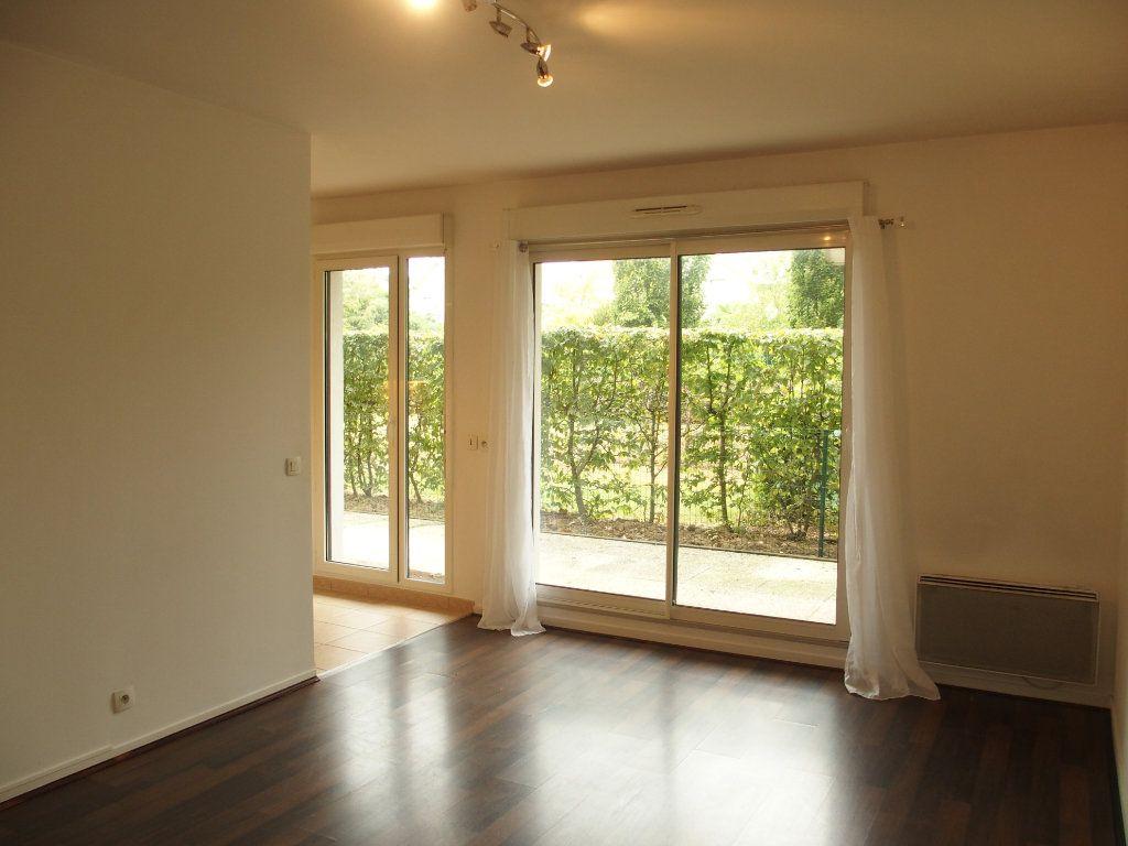 Appartement à louer 2 42m2 à Bois-d'Arcy vignette-1