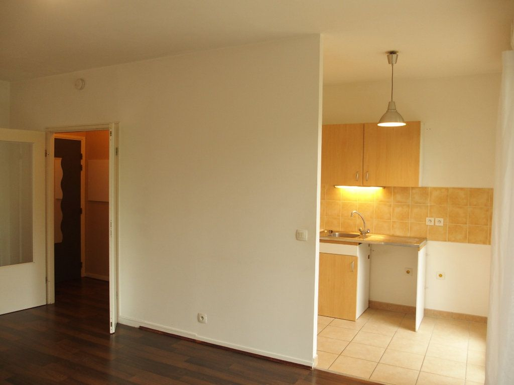 Appartement à louer 2 42m2 à Bois-d'Arcy vignette-2