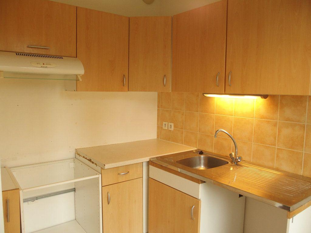 Appartement à louer 2 42m2 à Bois-d'Arcy vignette-4